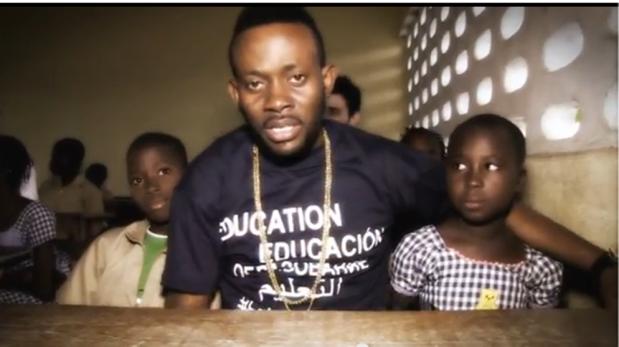 """J. Martins, icône de R&B nigérian,  dans le clip """"Savoir"""""""